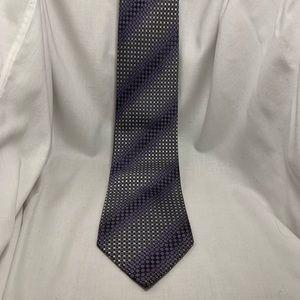 Kenneth Cole necktie.